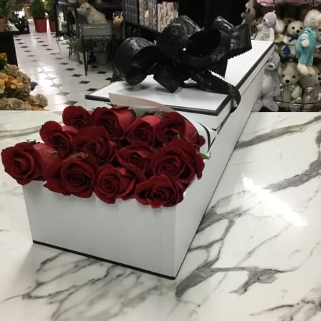12 55cm boxed roses